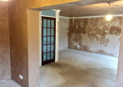 Plastered dining area