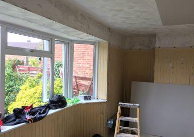 Bay window to plasterboard