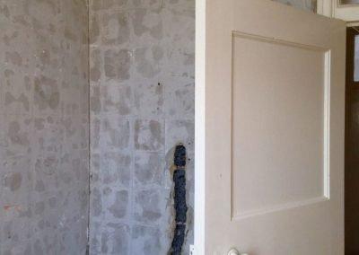 Shower/bath area